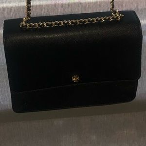 Large Tory Burch Robinson Crossbody